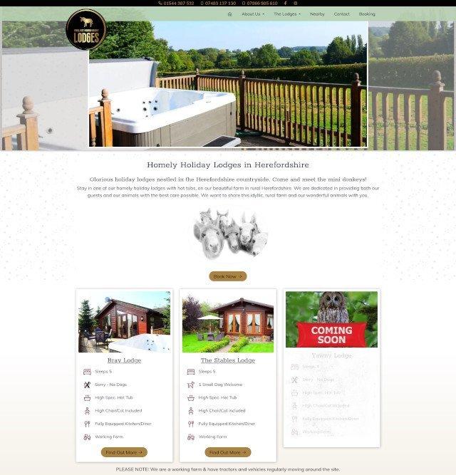 Small Feet Farming Holiday Lodges website screenshot
